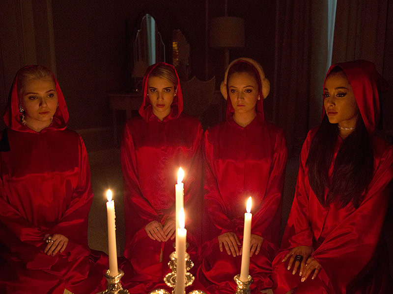 Abigail-Breslin-Emma-Roberts-Billie-Lourd-si-Ariana-Grande-in-Scream-Queens