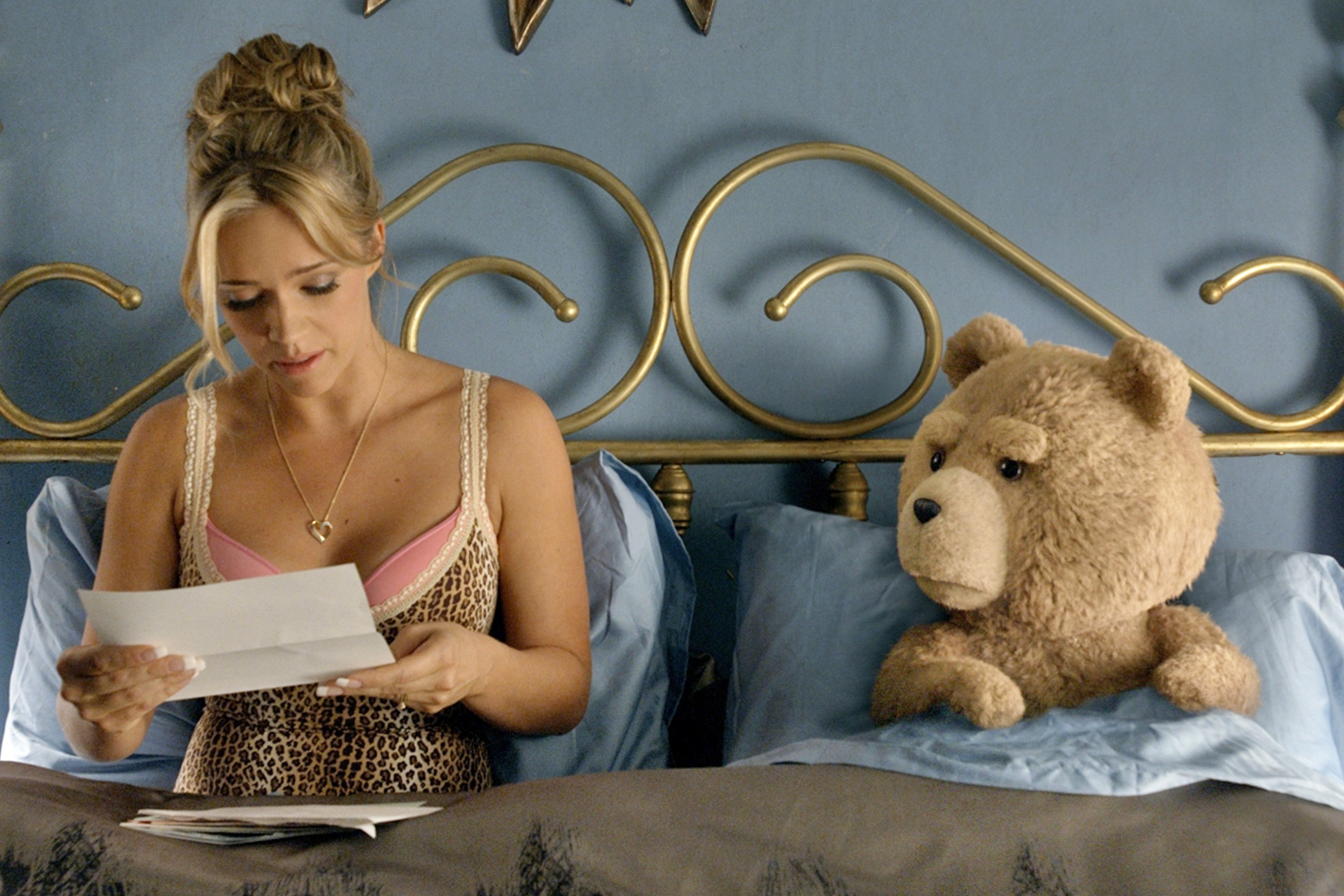 Film Still Tami-Lynn (JESSICA BARTH) and Ted (SETH MACFARLANE) are now married in ?Ted 2?, Universal Pictures and Media Rights Capital?s follow-up to the highest-grossing original R-rated comedy of all time.  MacFarlane returns as writer, director and voice star of the film.