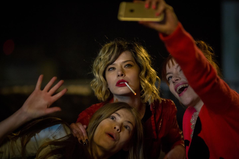 selfie-69-736379l